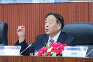 UM honorary doctor Qiao Xiaoyang gives talk on central government's overall jurisdiction and Macao SAR's high degree of autonomy